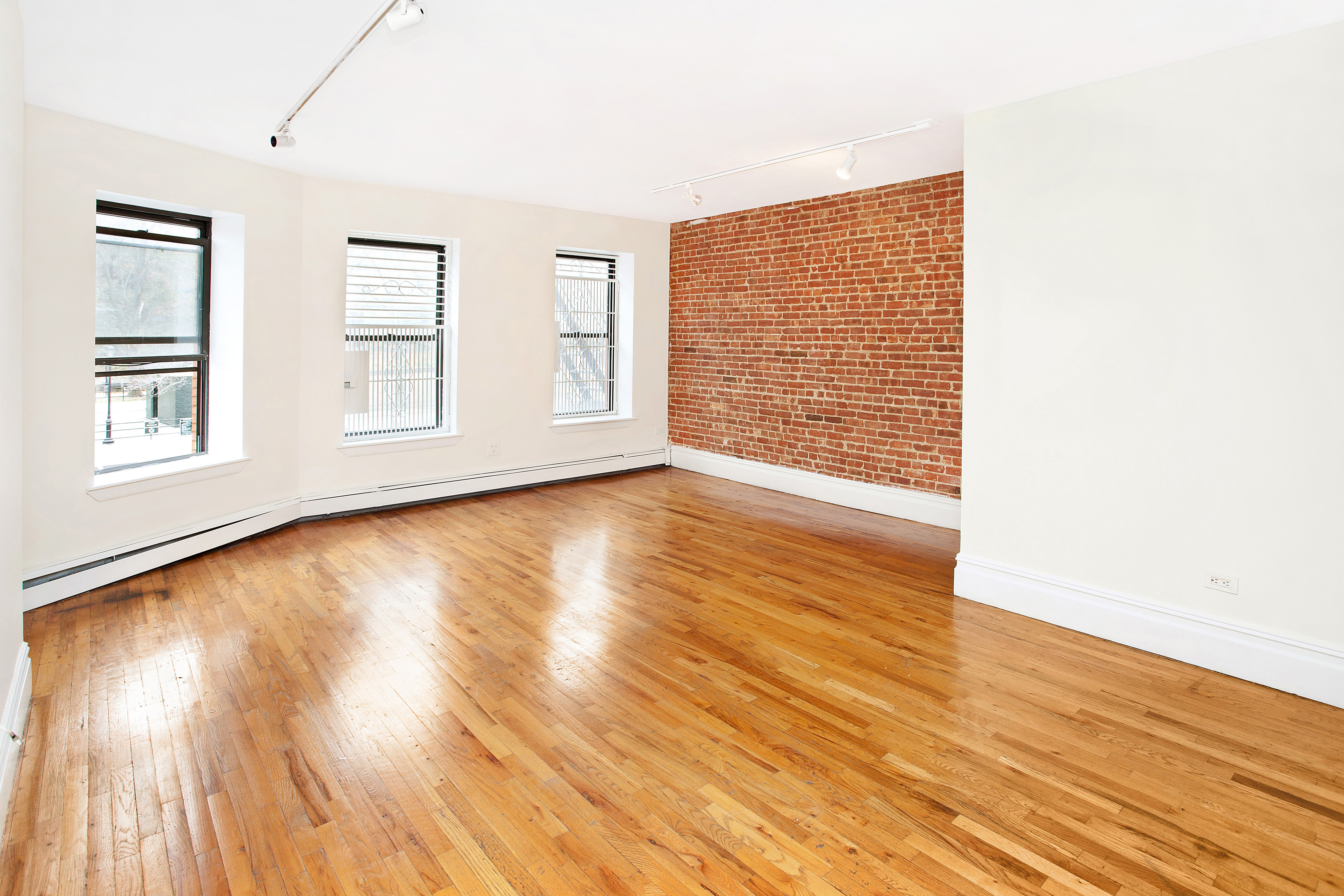 Investment Property Tenant In Place Thru 12 13 Harlem